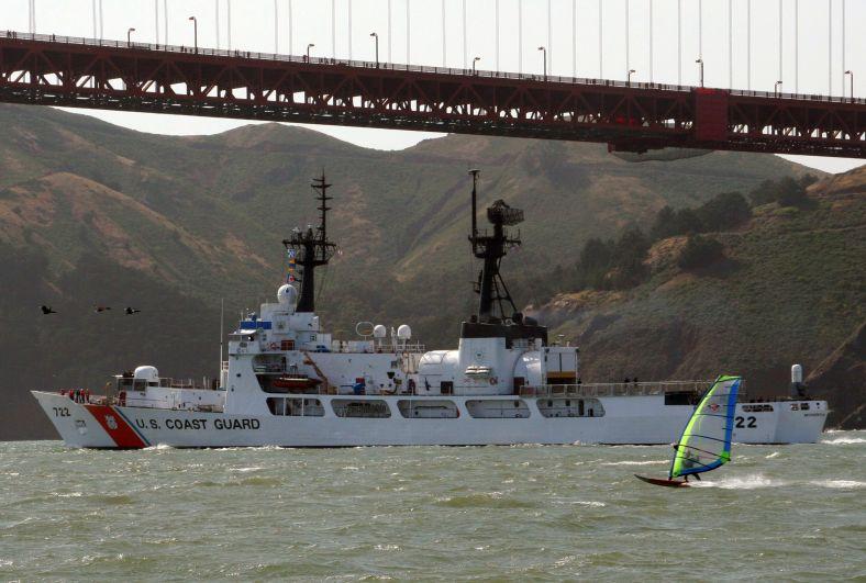 USCGC_Morgenthau_WHEC-722_golden_gate_California