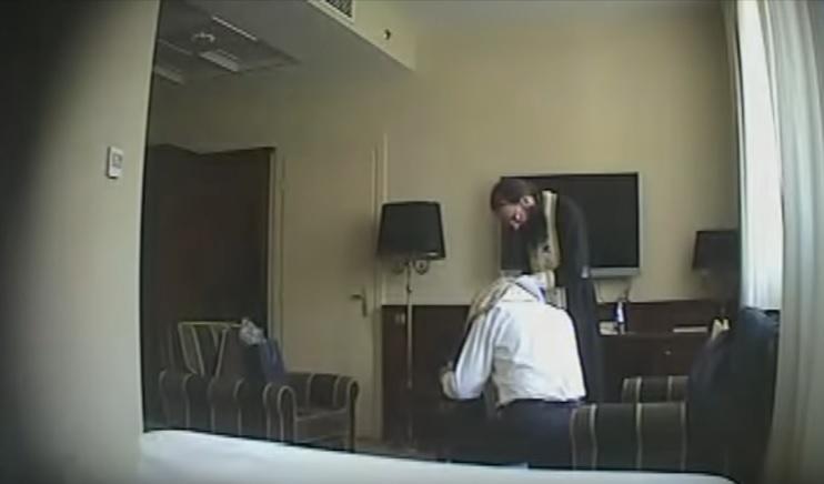 скрытая камера с проституткой в отеле