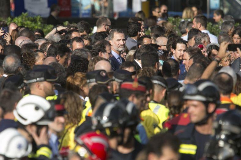 ВБарселоне проходит масштабный марш против терроризма «Яне опасаюсь !»