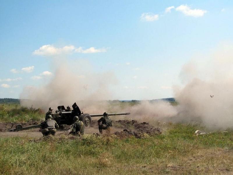 """Бойовики вранці 22 рази обстріляли позиції ЗСУ на лінії розмежування, зокрема з """"Градів"""", - Міноборони - Цензор.НЕТ 8424"""