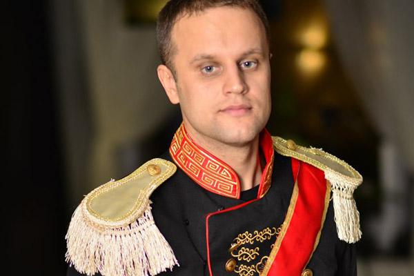Косплей достойный, но нет, Павел. Путинская РФ - это уже не балы, красавицы, лакеи, юнкера.