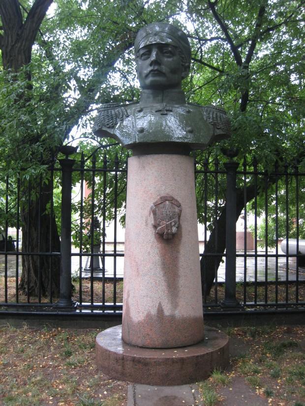 Памятник русскому адмиралу Нахимову в Николаеве